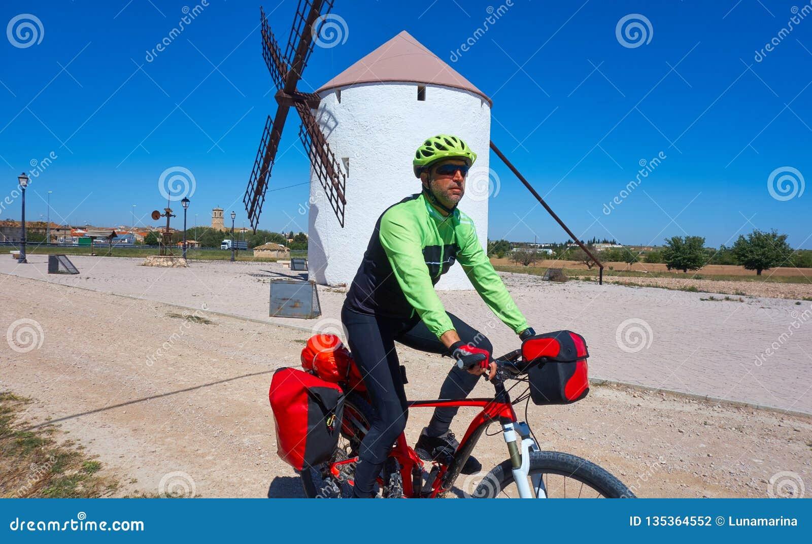 Cyklisten vallfärdar vid Camino de Santiago