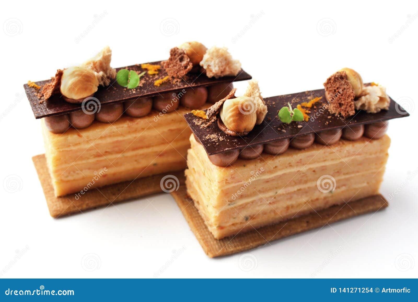 Cytrus opera zasycha z hazelnuts i czekoladowym ganache