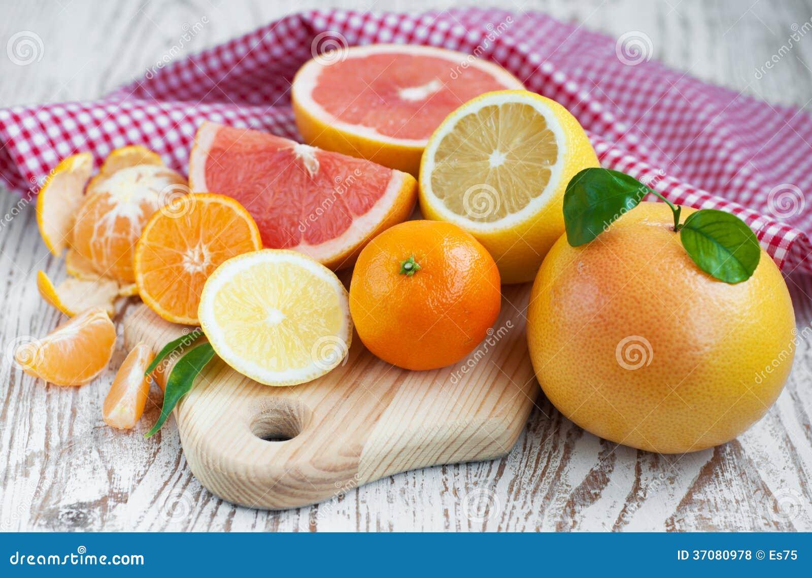 Download Cytrus owoc zdjęcie stock. Obraz złożonej z pośpiesza - 37080978