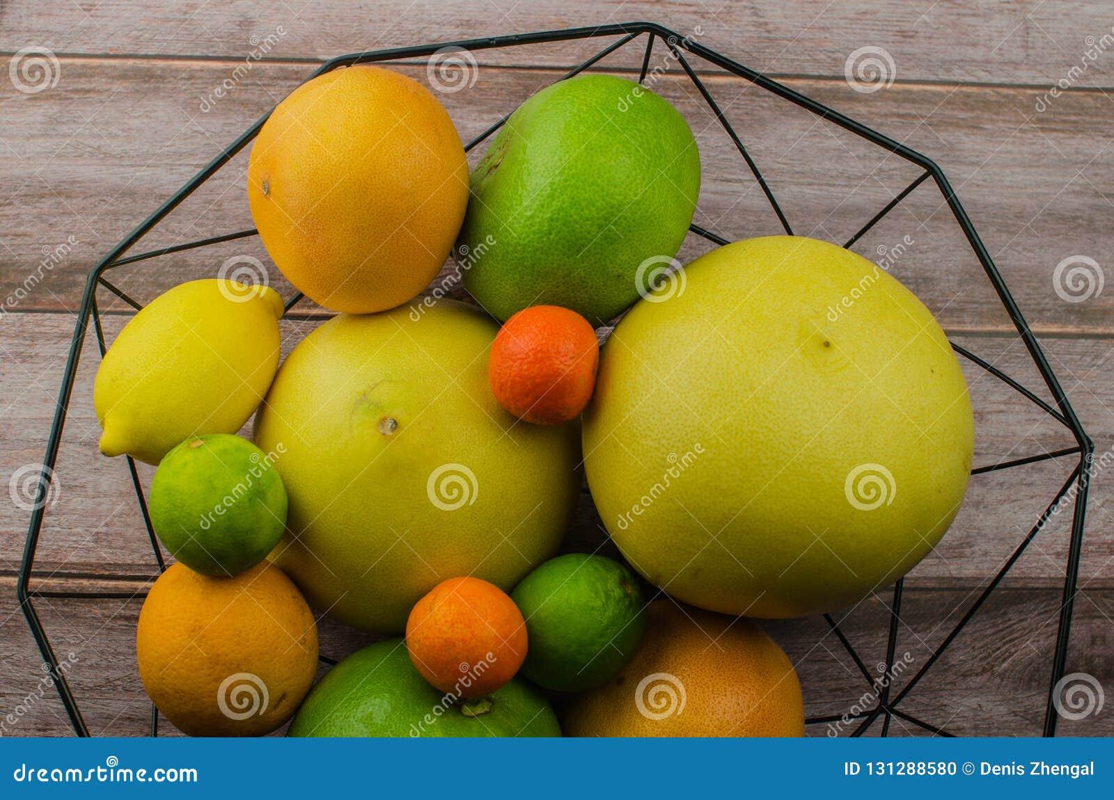 Cytrus owoc pomarańcze, cytryna, grapefruitowa, mandarynka, wapno