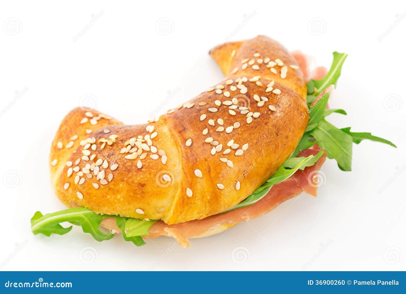 Cząberu croissant z baleronem i rakietą
