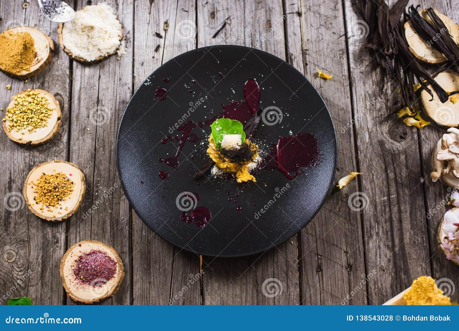 Cząsteczkowy nowożytny kuchnia deser
