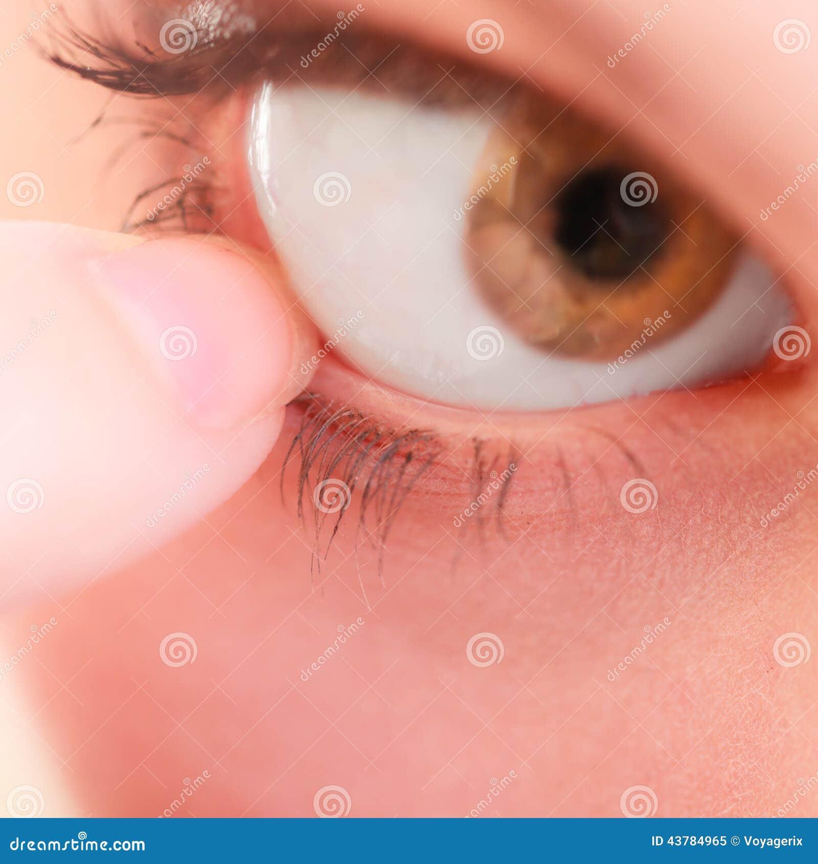 Część twarzy ludzkiego oka bólu cudzoziemski ciało