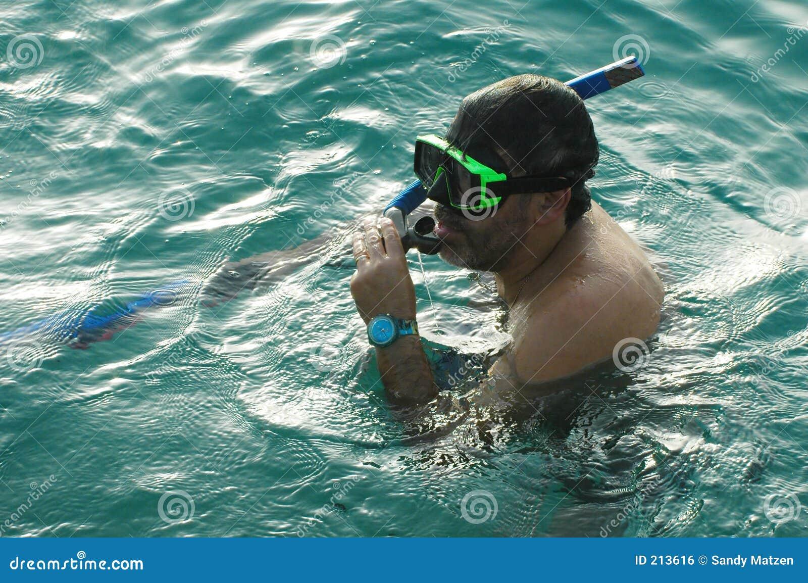 Człowiek snorkeling3