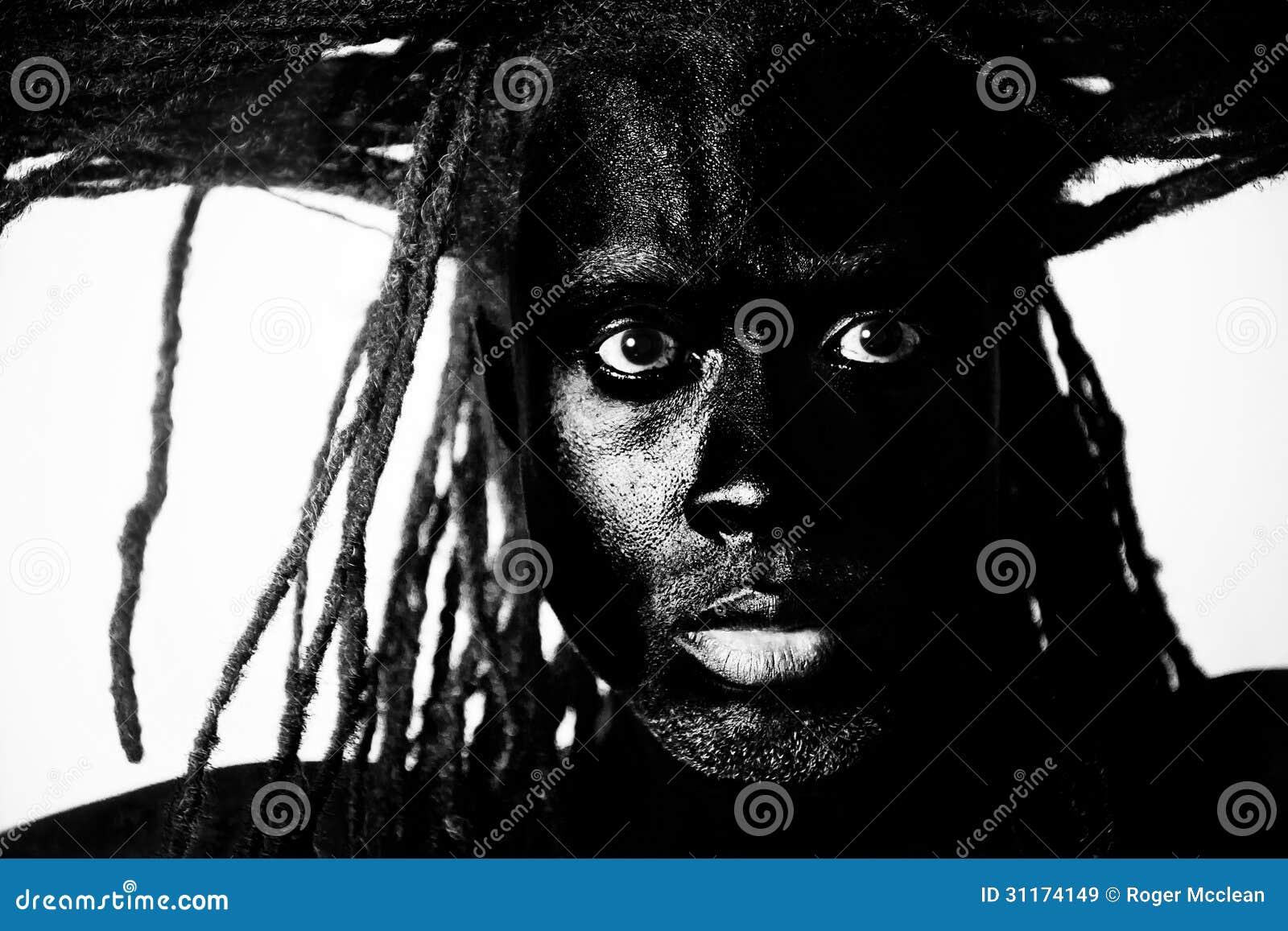 Czarna męska fryzura