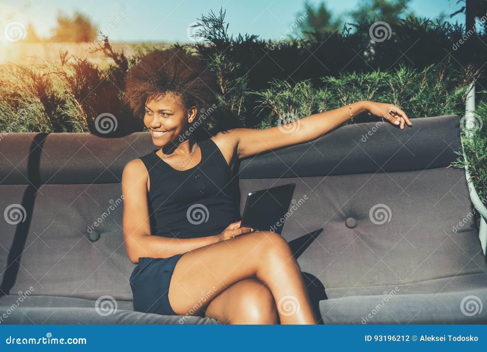 Obraz heban czarna dziewczyna