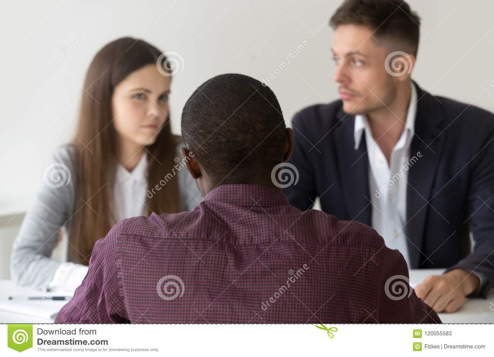 Czarnego advisor ordynacyjni wątpliwi partnery dobierają się podczas negotia