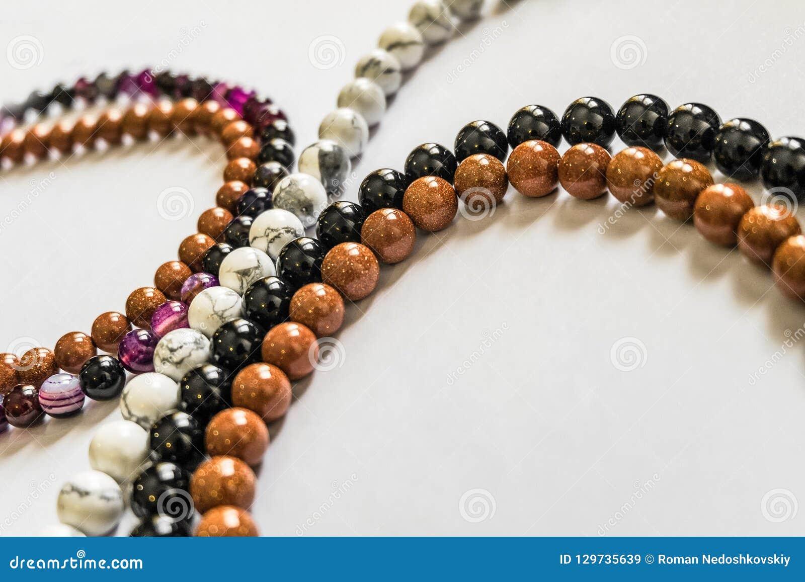 Czarny i biały agatów koraliki, brązu awanturyn i purpura chalcedon,
