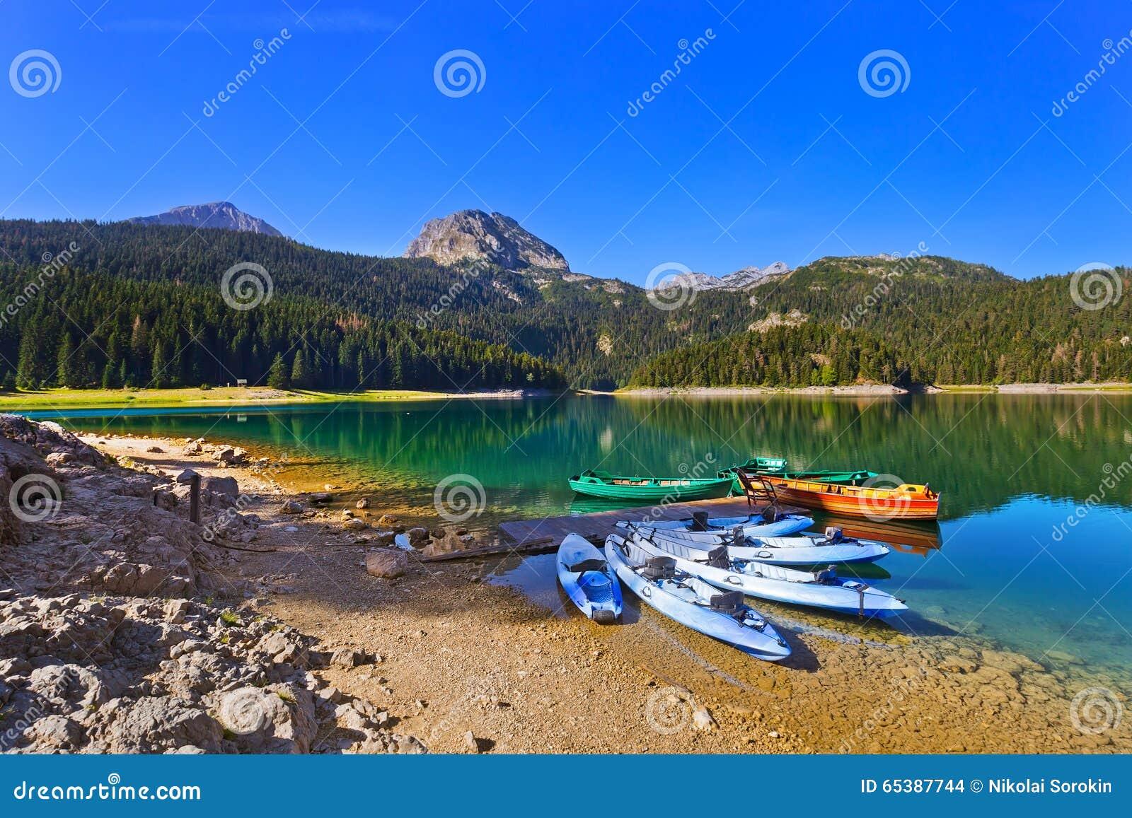 Czarny jezioro w Durmitor, Montenegro - (Crno Jezero)