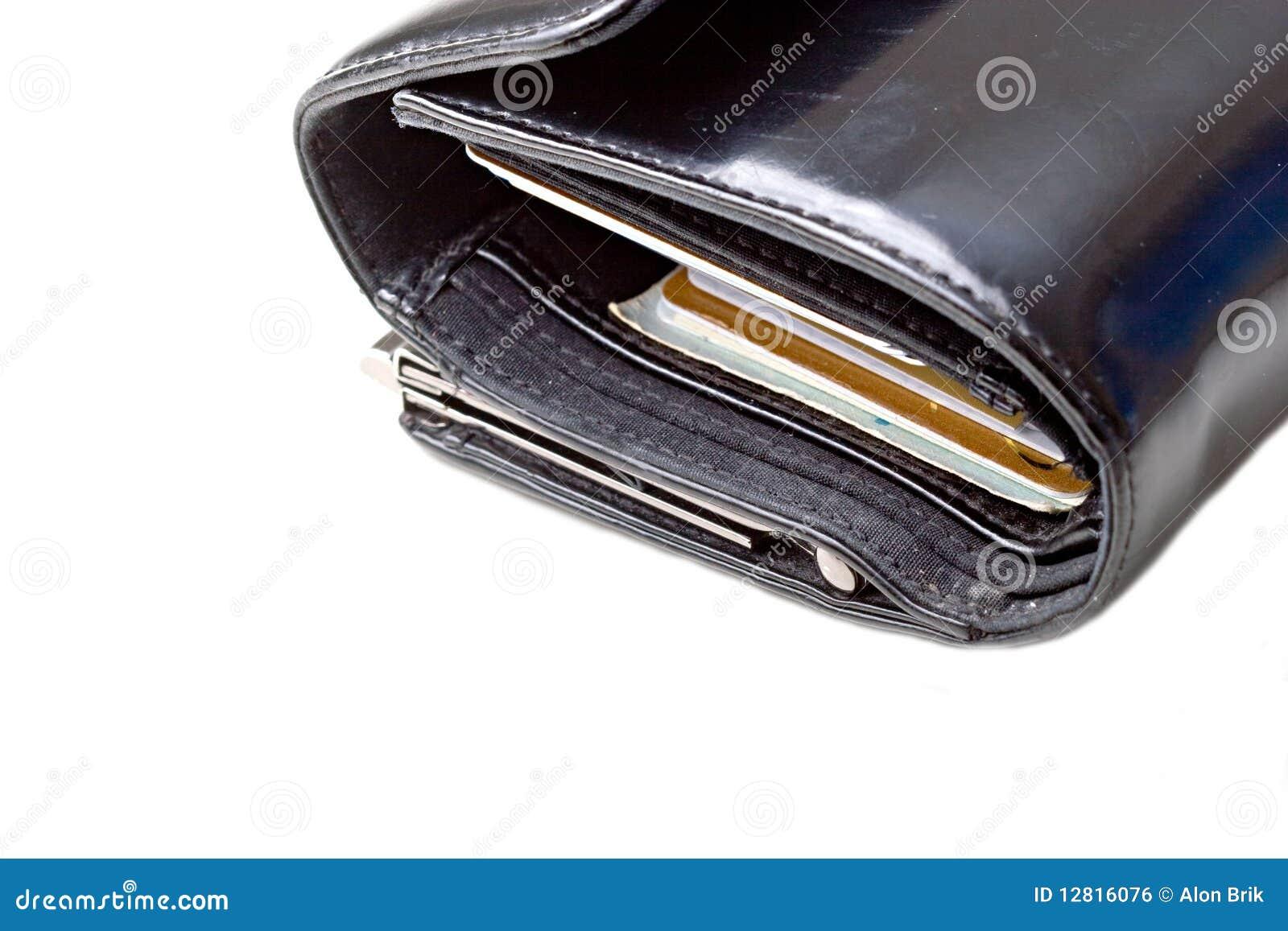 Czarny kart kredyta odosobniony rzemienny portfel
