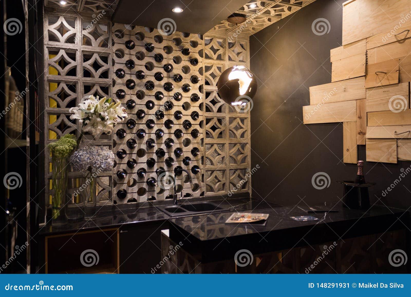 Czarny kuchni i wina bar
