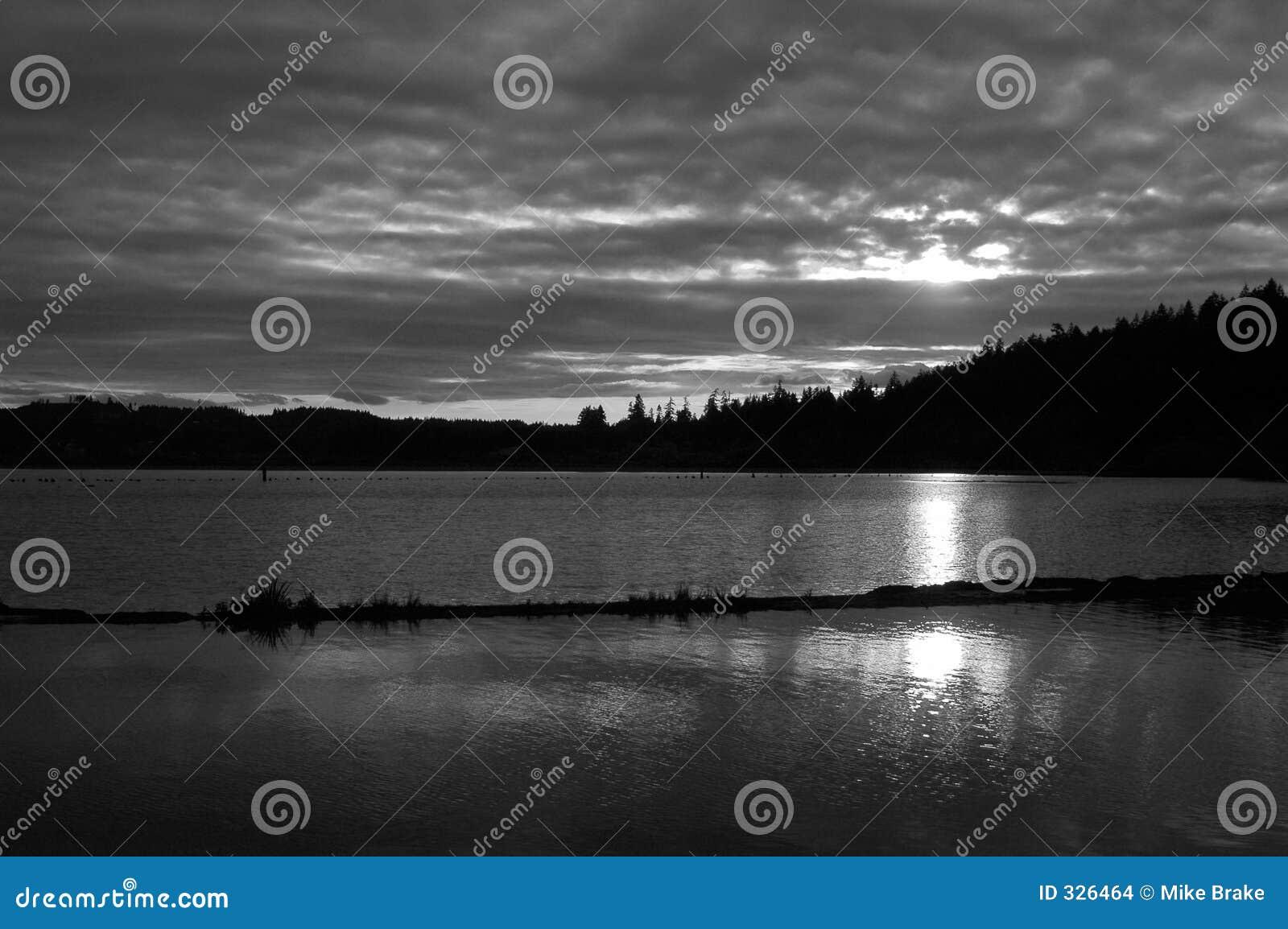 Czarny sunset white