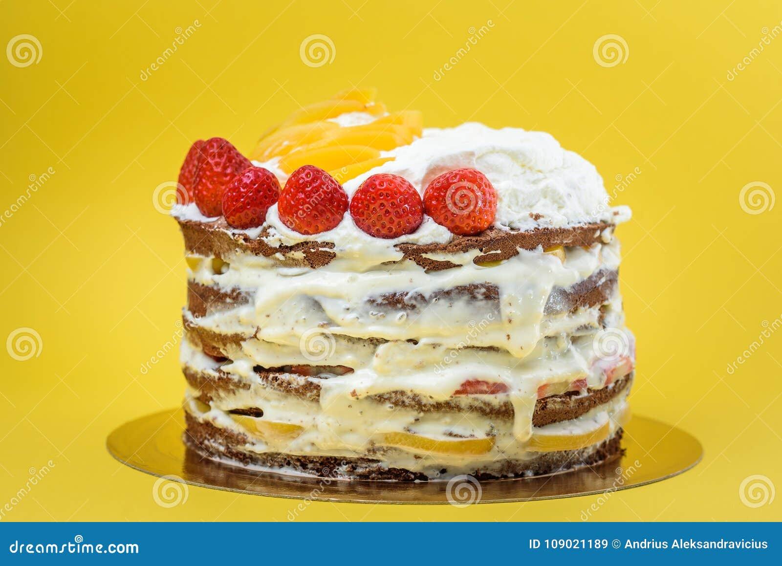 Czekoladowy nagi tort