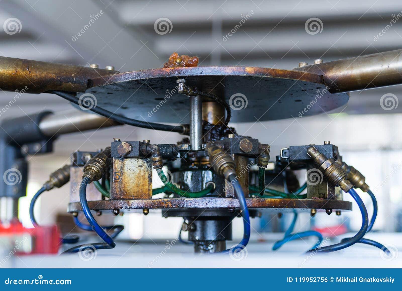 Czerep przemysłowy mechanizm z pneumatycznymi drymbami