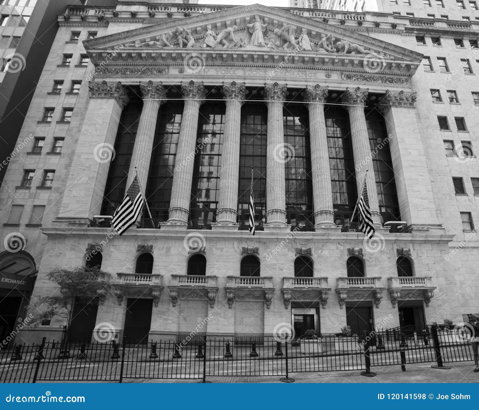 CZERWIEC 7, 2018 New York Stock Exchange Exerior z USA Zaznacza - jak widzieć kolumny Federacyjny Hall - Nowy Jork, Nowy Jork, us