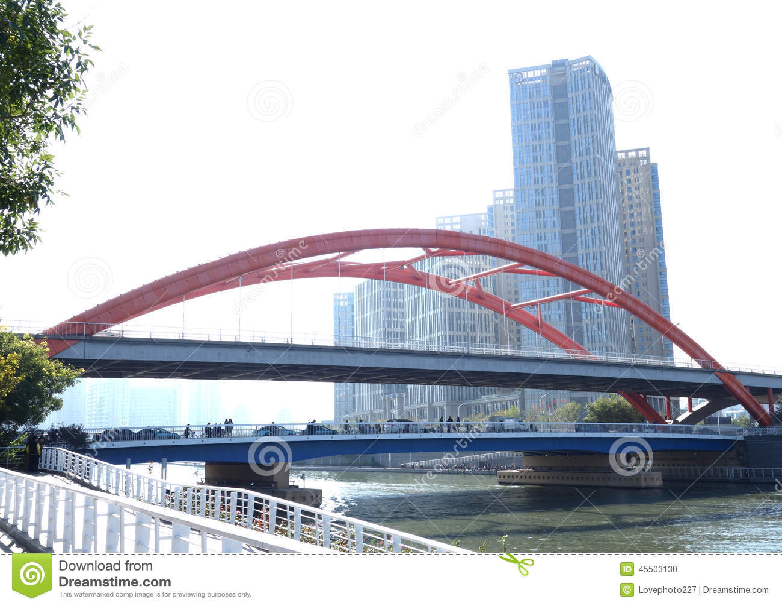 Czerwieni żelaza most