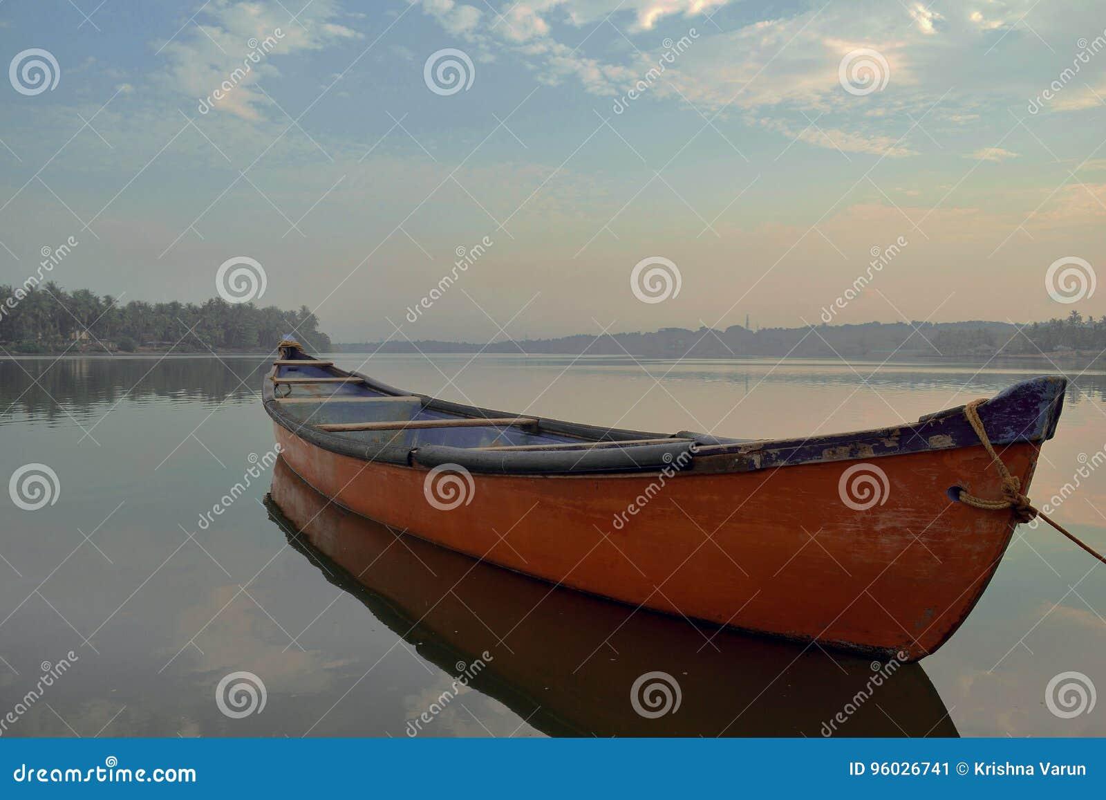 Czerwona łódź Mangalore