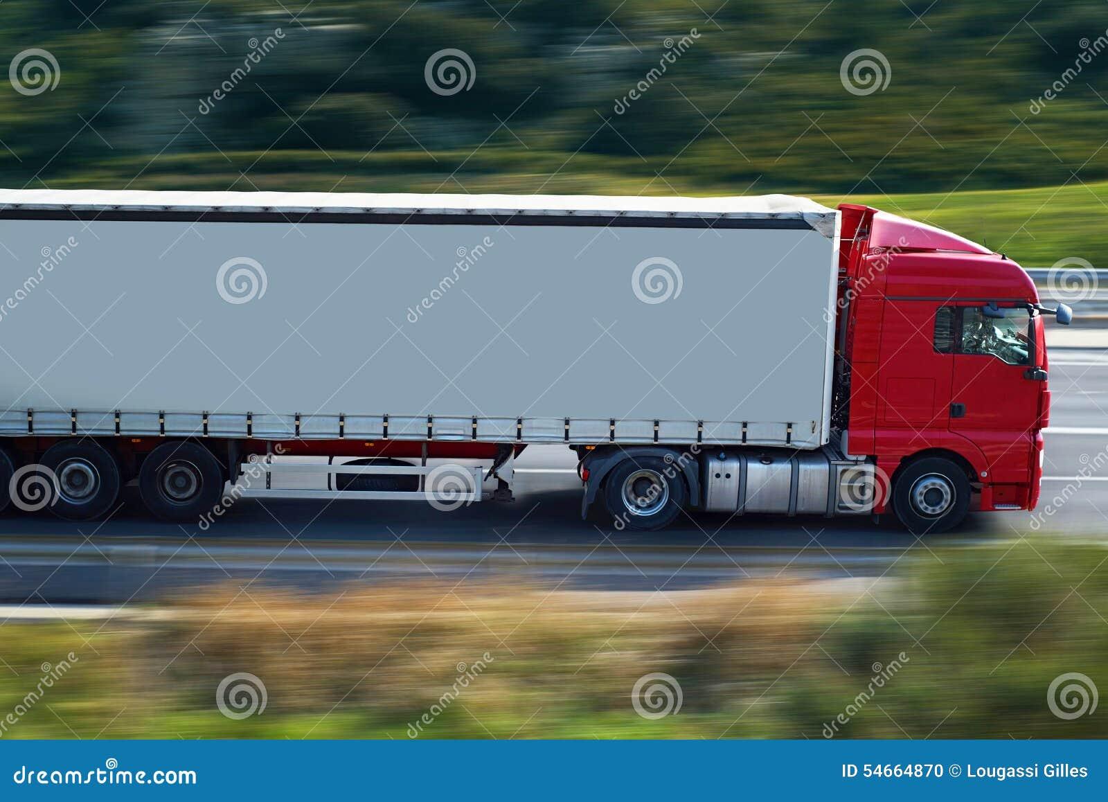 Czerwona ciężarówka ciężarówka