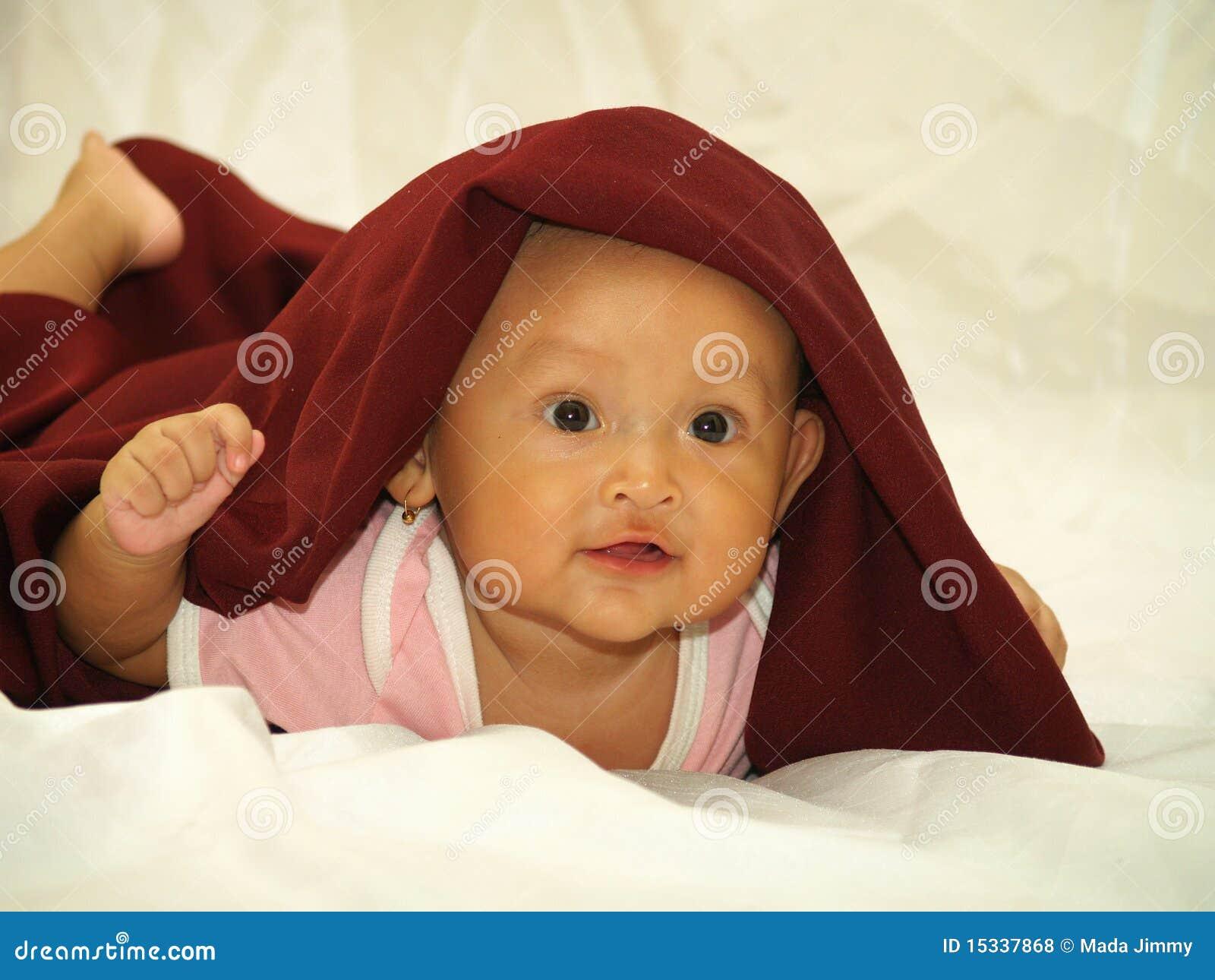 Czerwona dziecko przesłona