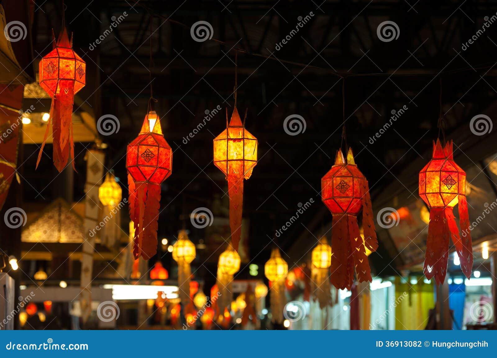 Czerwona latarniowa dekoracja podczas Chińskiego nowego roku