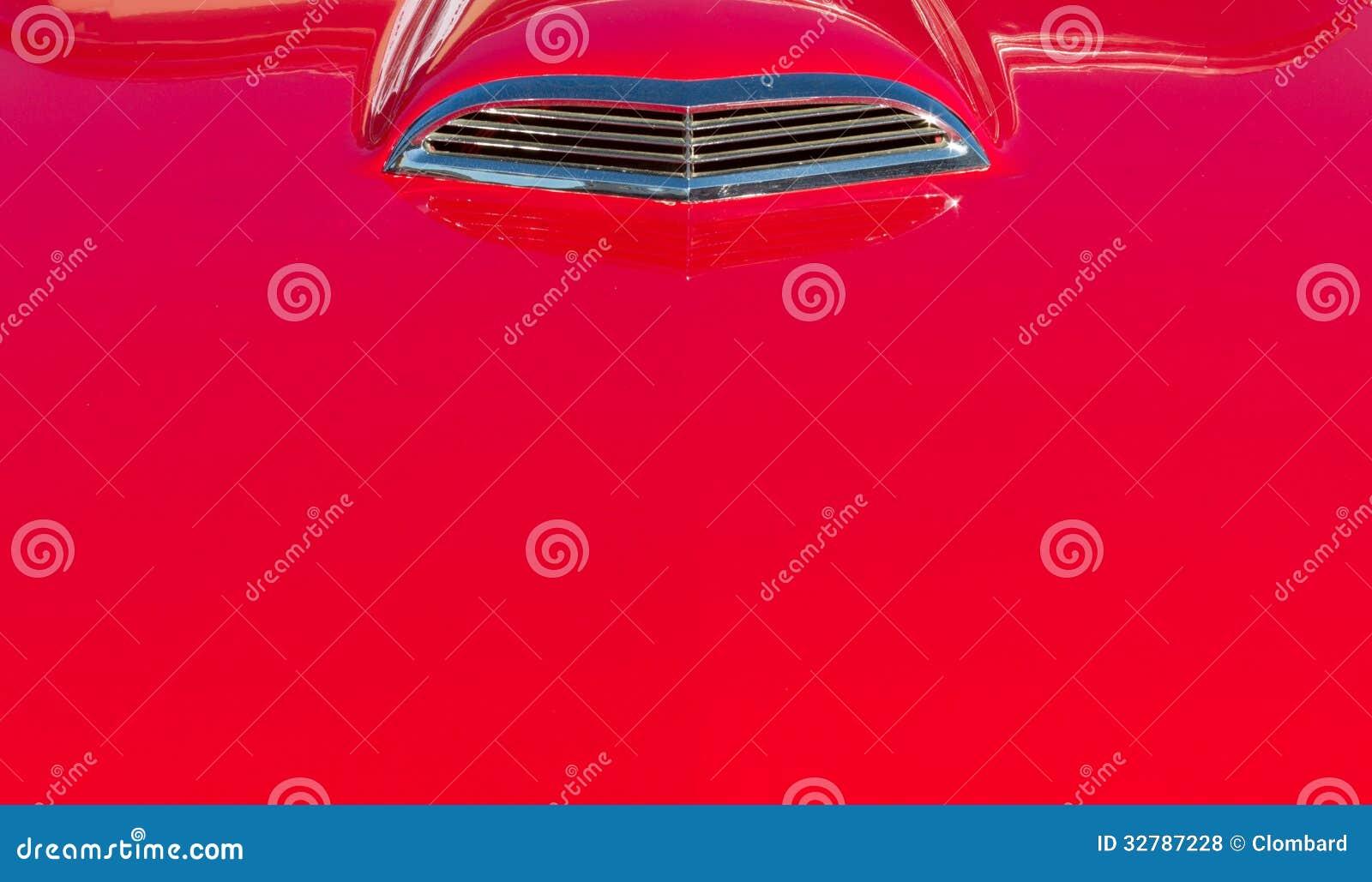 Czerwona rocznika samochodu czapeczka