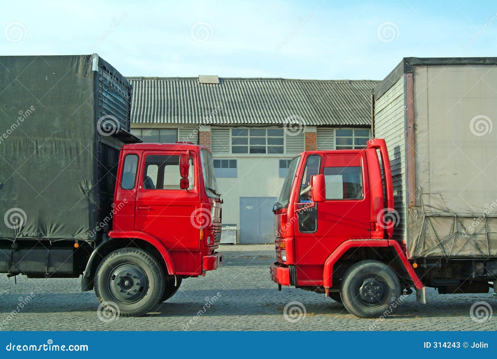 Czerwone ciężarówki