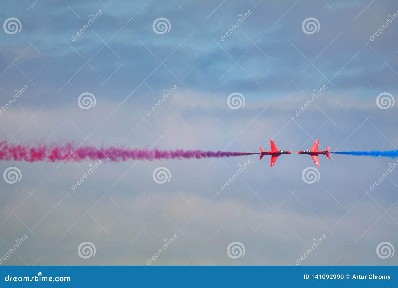 CZERWONE strzały Royal Air Force Karambol jastrzębia samolot