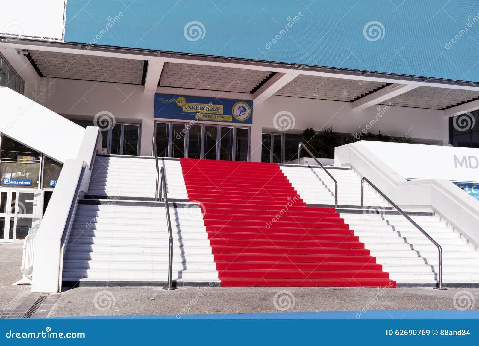 Czerwony chodnik w Cannes, Francja Schodki sława