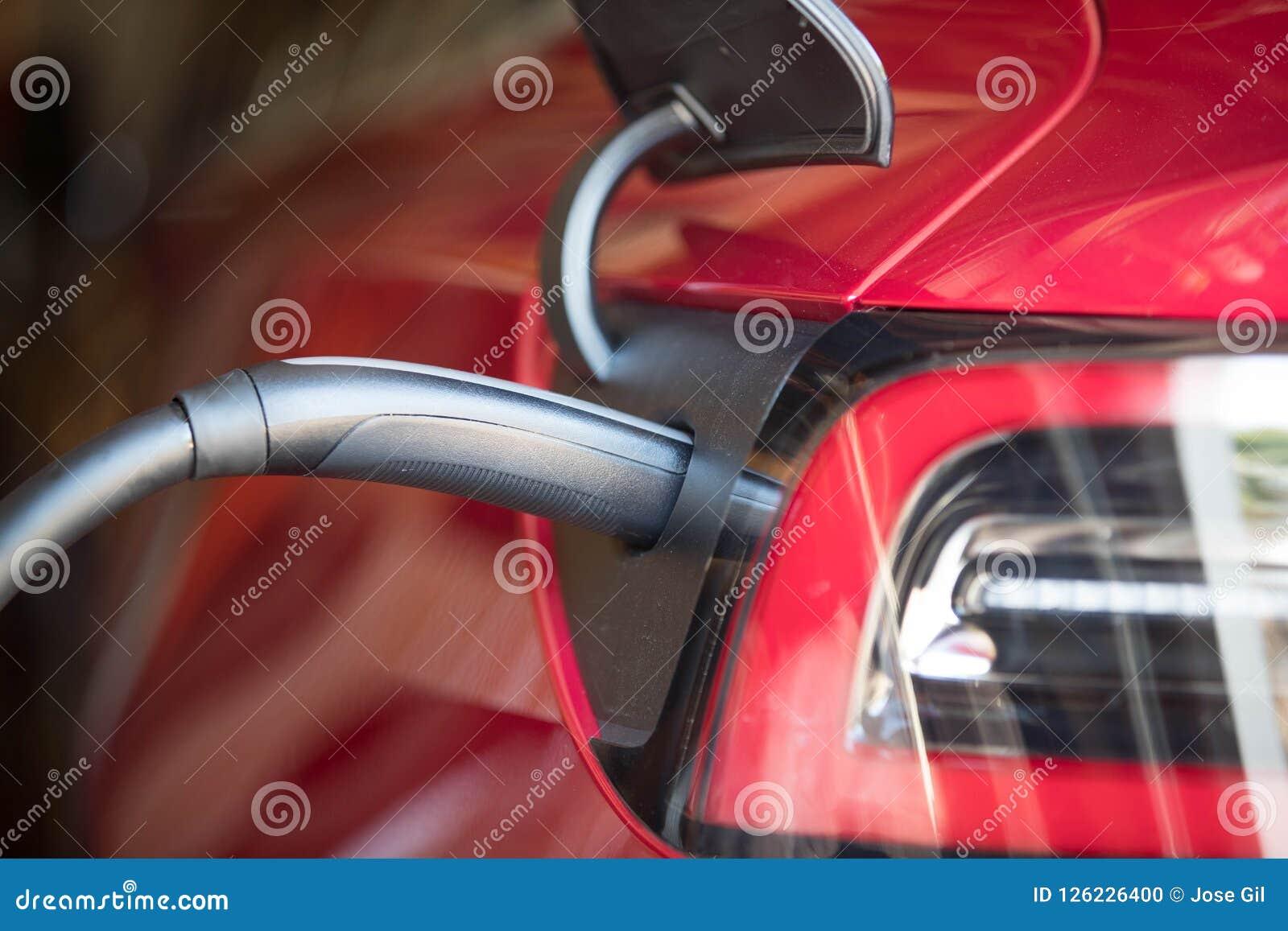 Czerwony Elektryczny pojazd Czopował Wewnątrz 2