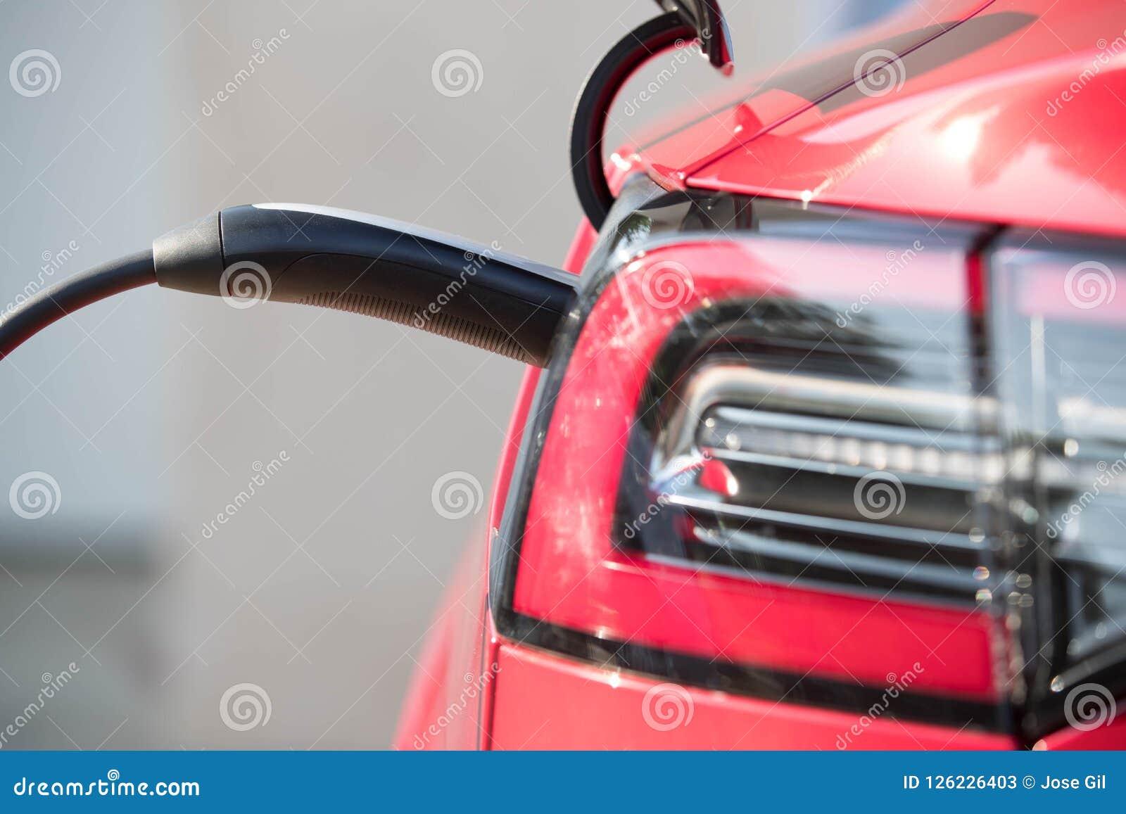 Czerwony Elektryczny pojazd Czopował Wewnątrz 1