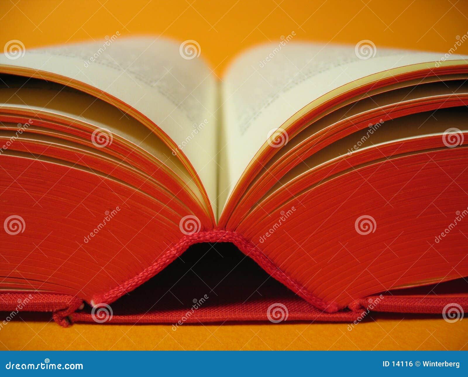 Czerwony otwartej książki