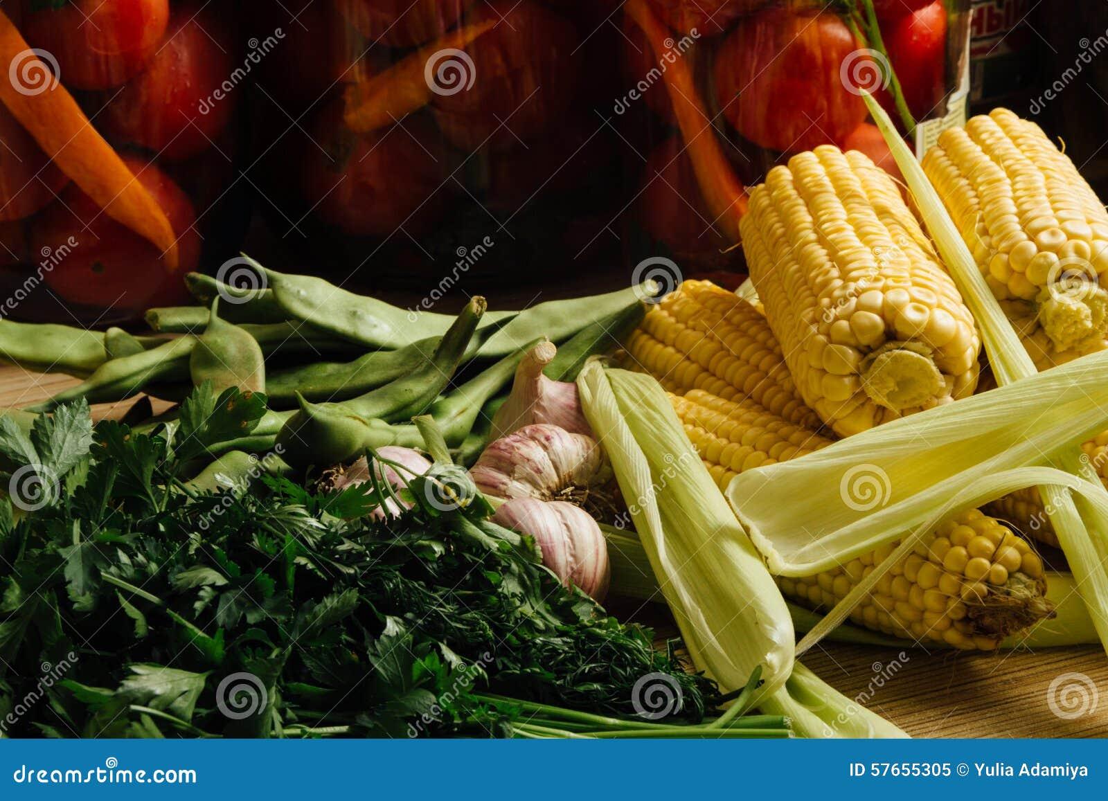 Czosnek, pietruszka i kukurudza