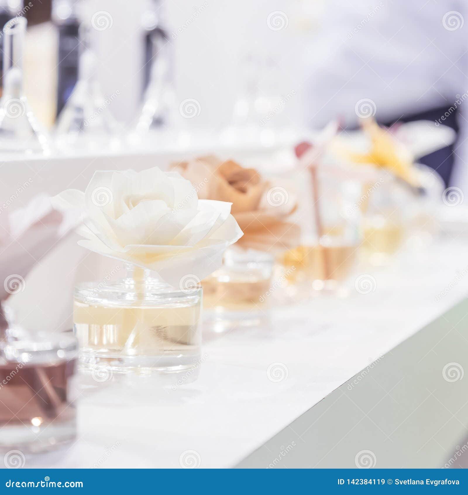 Czyści, higiena, aromatherapy, zdrój i zdrowie, Aromatyczny lotniczego freshener lotniczy freshener w szklanych słojach w postaci