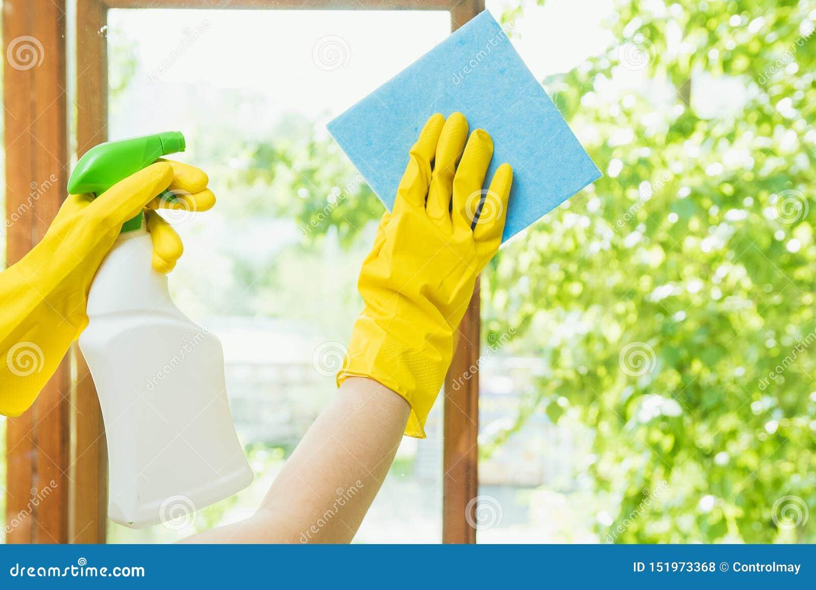 Czyści firma czyści okno brud Gospodyni domowa poleruje okno dom