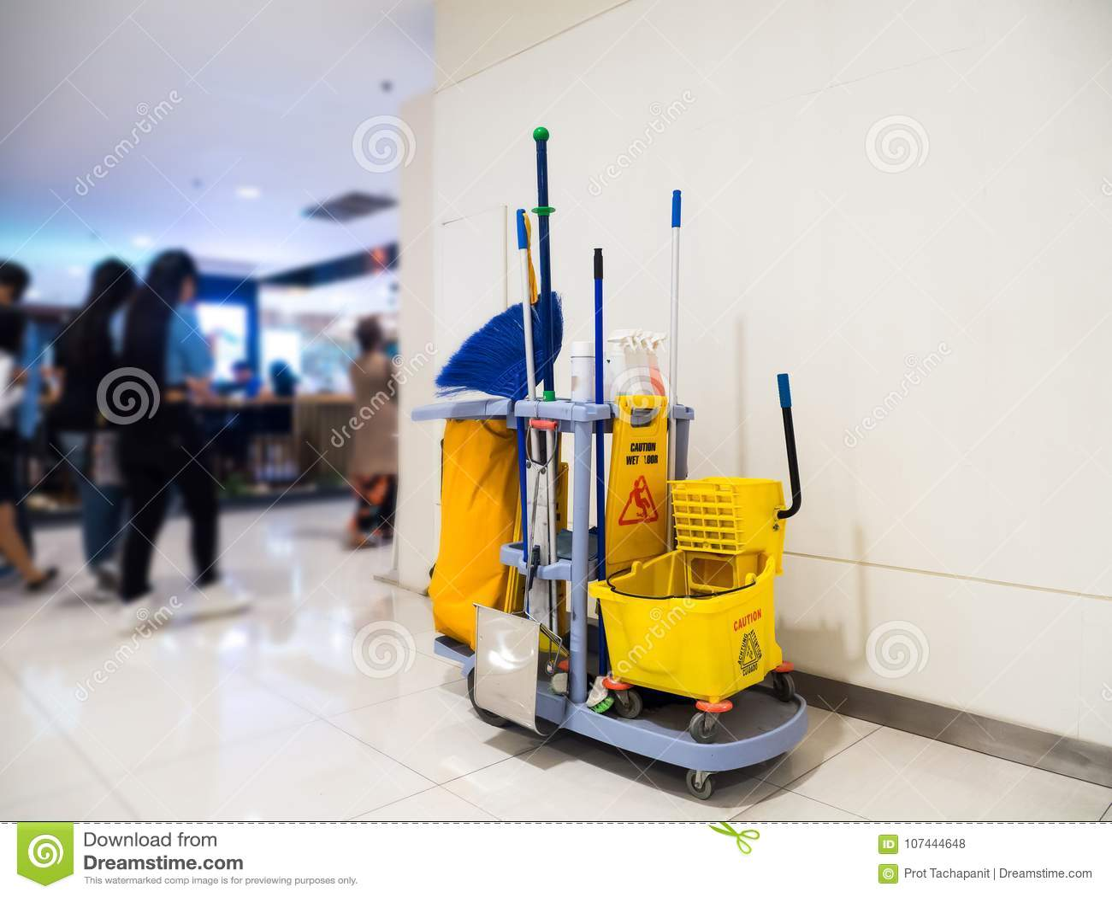 Czyści narzędzie fura czekać na cleaning Wiadro i set cleaning wyposażenie w Wydziałowym sklepie