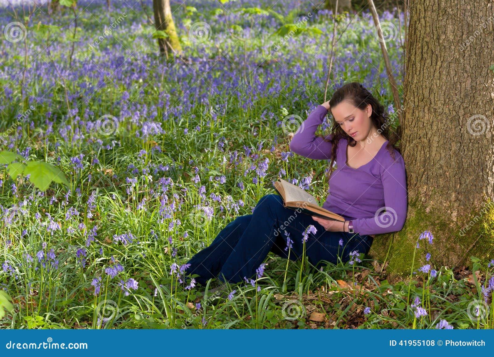 Czytać wśród wildflowers