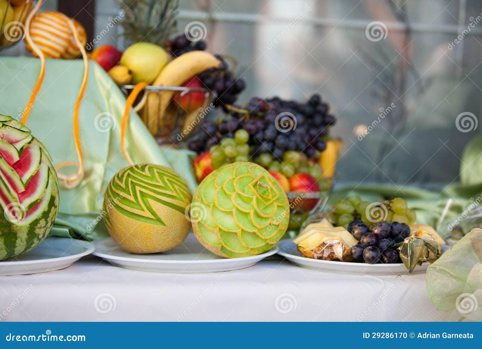 Top Décoration De Table De Mariage Avec Des Fruits Photo stock - Image  DW88