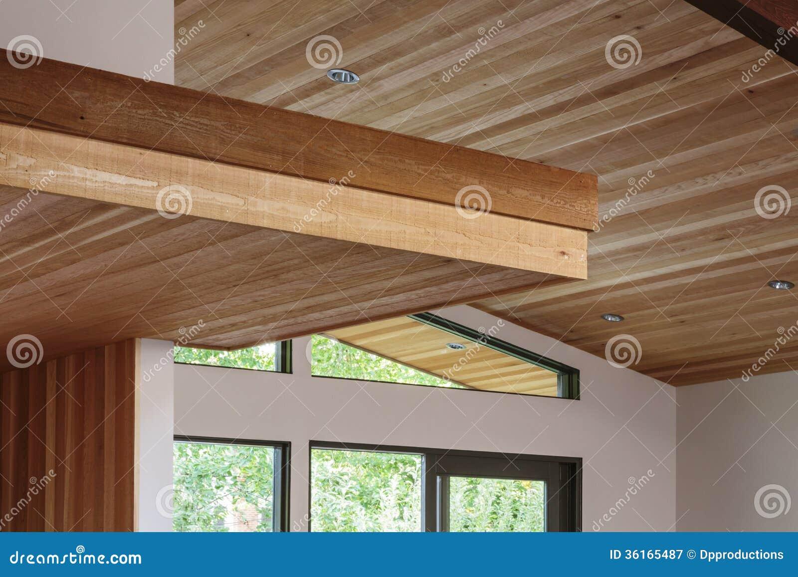 Connu Détail De Plafond De Faisceau En Bois Dans Une Entrée Moderne De  NS43