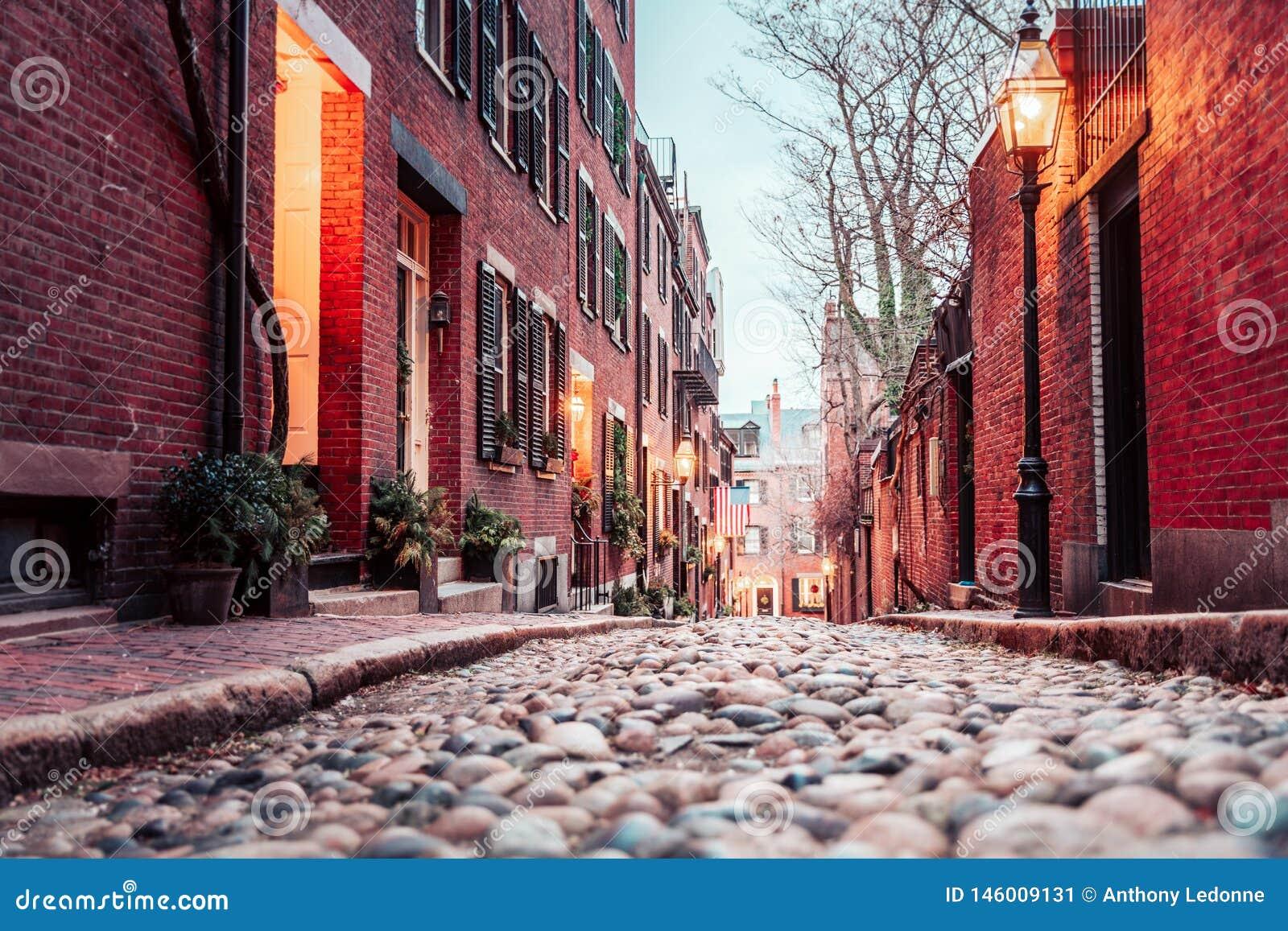 Dämmerung auf Bostons historischer Eichel-Straße