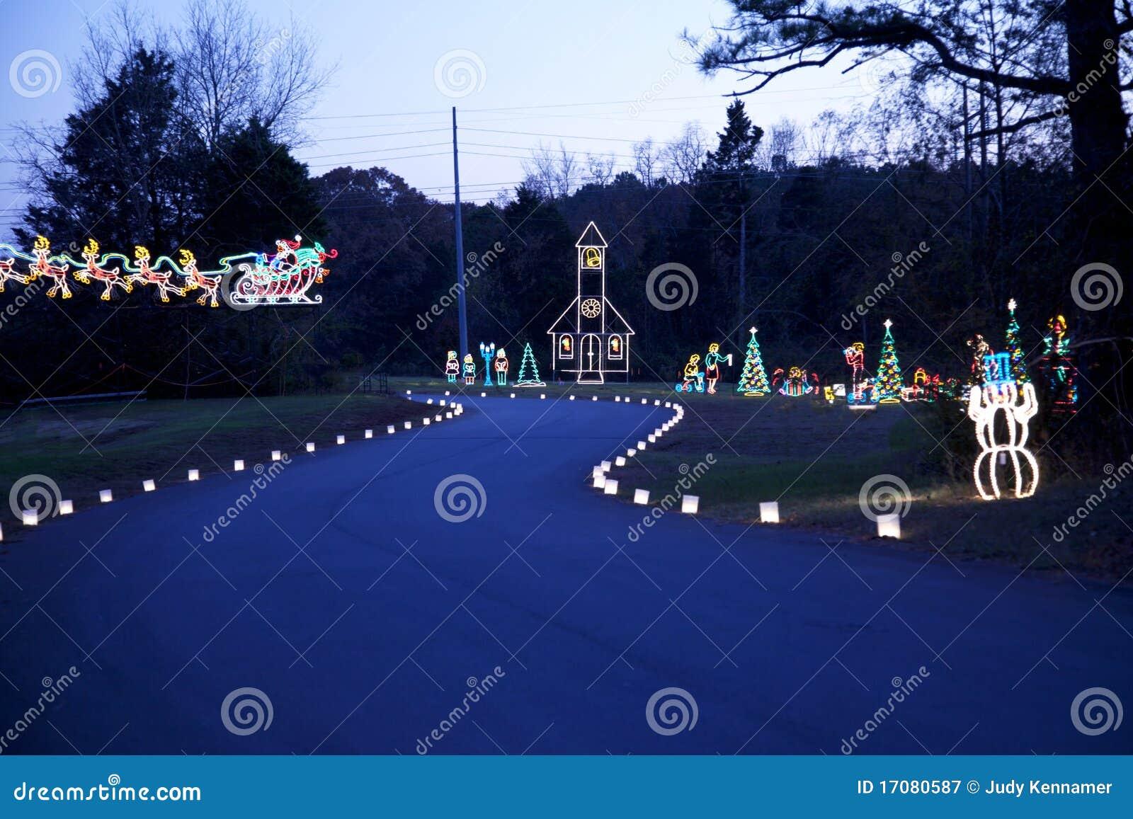 Dämmerung beleuchtete Feiertagsszene