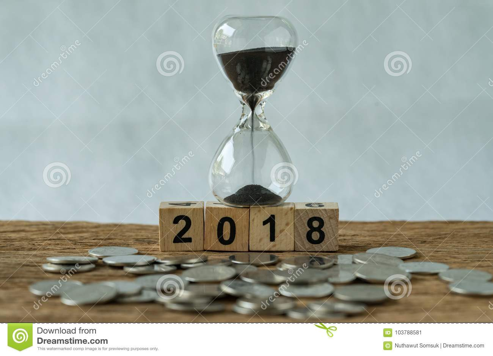 Début 2018 de temps d affaires d année ou concept d investissement à long terme As