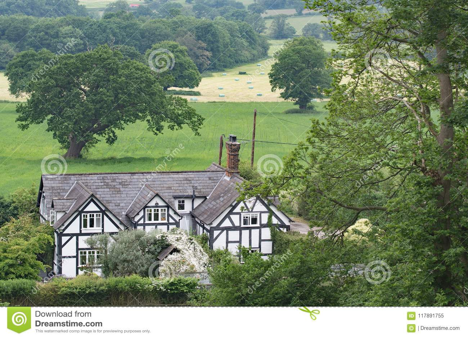 Décence utopique rurale - vue de la traînée de grès, dans Cheshire