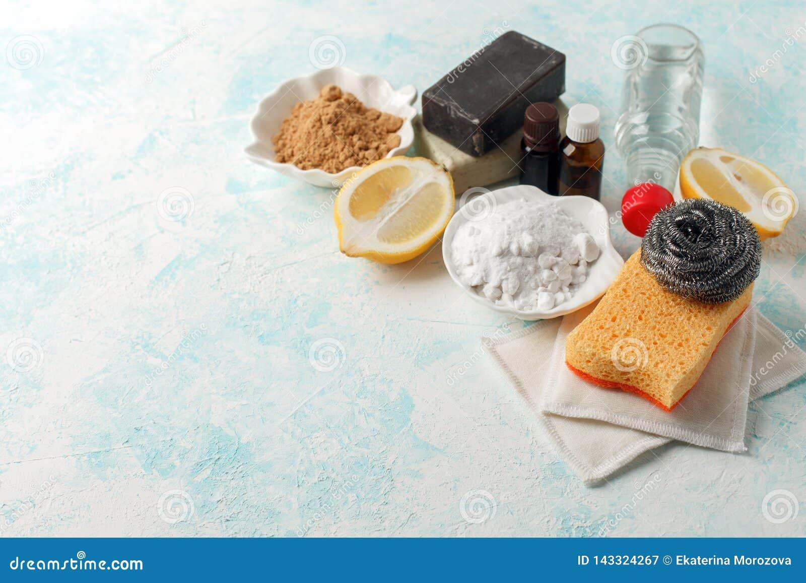 Déchets zéro, outils de nettoyage domestiques compostables Brosse de plat en métal, éponge de cellulose, chiffons, savon, citron,