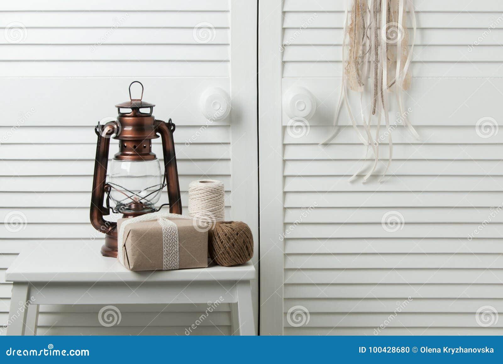 Décor Brun Beige De Chambre à Coucher Photo stock - Image du ...
