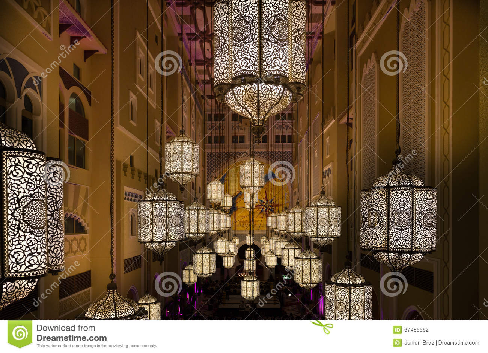 Décoration à L\'intérieur D\'un Hôtel à Dubaï Photographie éditorial ...