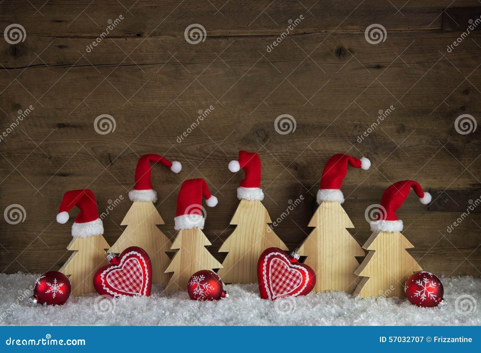D coration classique de no l avec du bois chapeaux de santa sur fait main ph - Decoration noel fait main ...