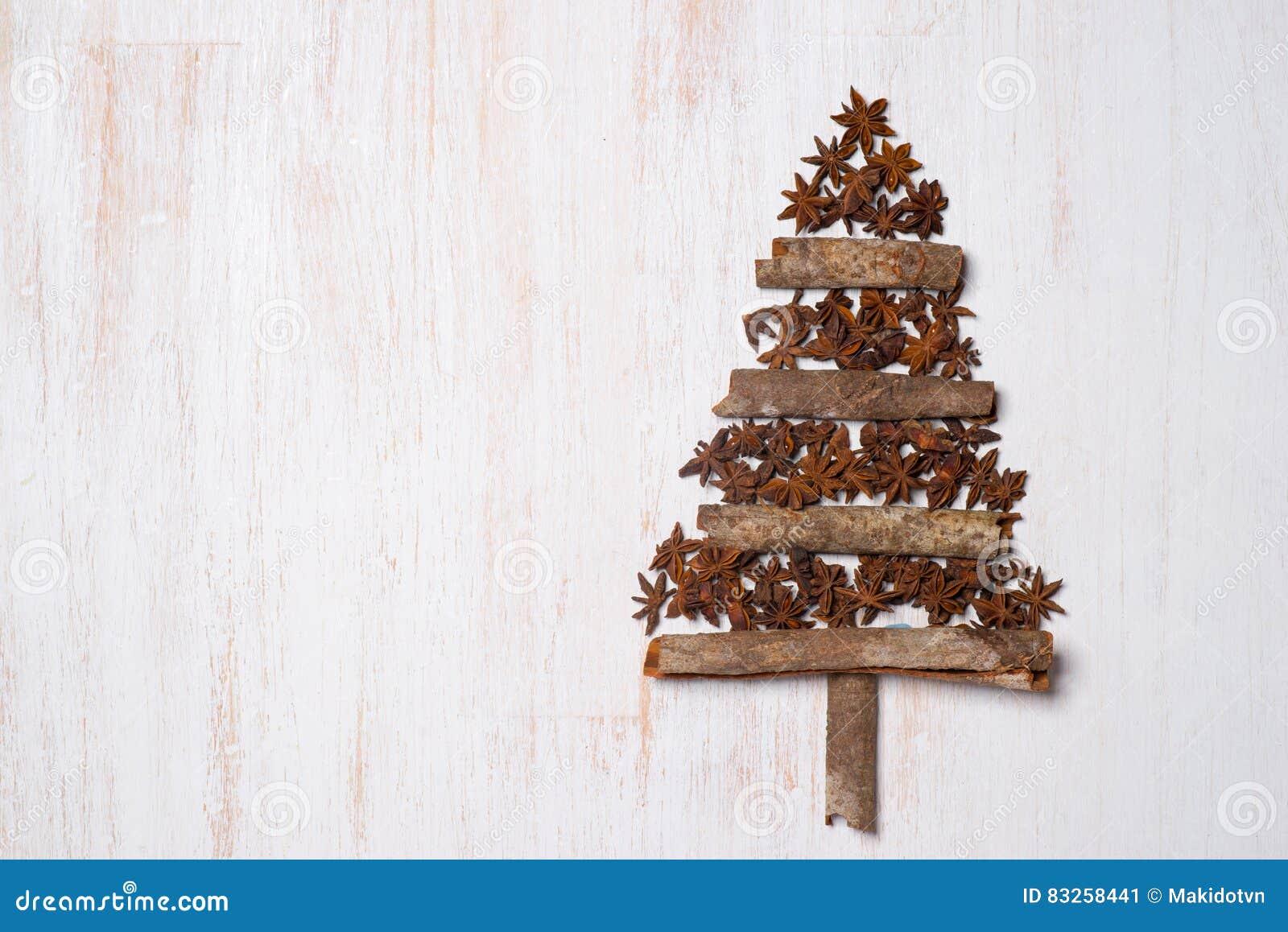 Arbre Bois Blanc Decoration décoration d'arbre de noël avec l'espace de copie sur le