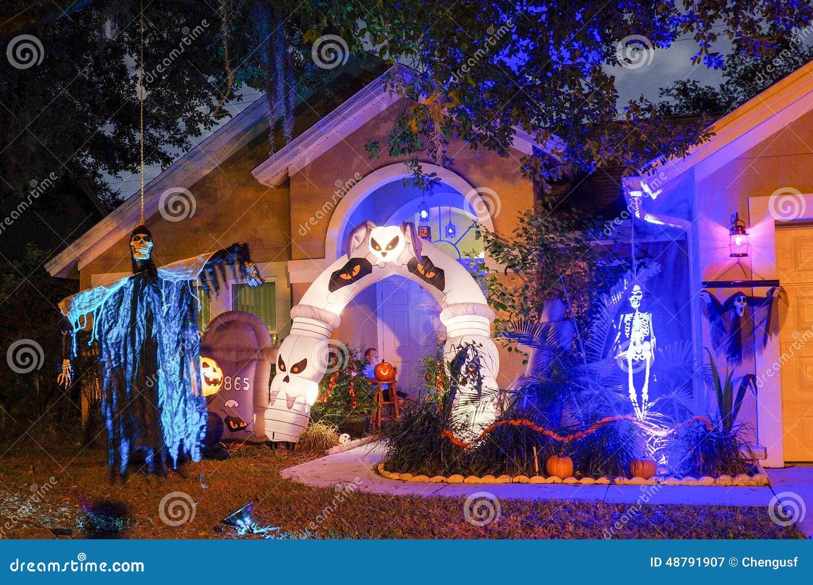 Halloween decoration usa for Maison decoration