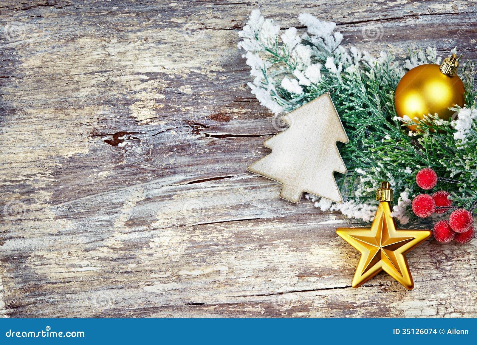 #BC7F0F Décoration De Noël Au Dessus De Fond En Bois. Style De  6129 Decoration De Noel Vintage 1300x957 px @ aertt.com