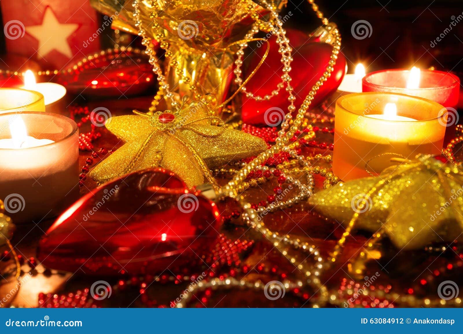 Download Décoration De Noël Avec Des Bougies Photo stock - Image du célébration, décoration: 63084912